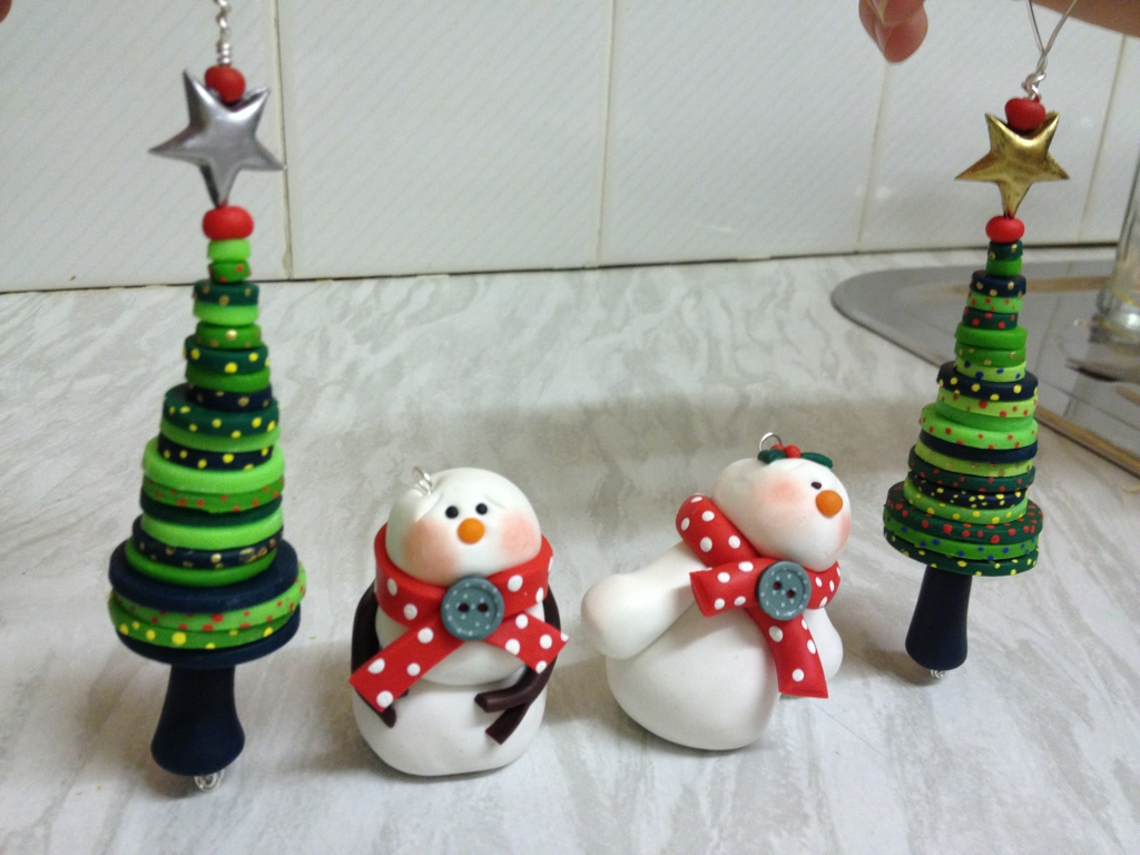 Cute christmas decorations made from cernit polymer clay for Cute christmas decorations